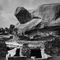 Скульптура «Солдат». Бетон, высота скульптуры 3500, 1970 г.