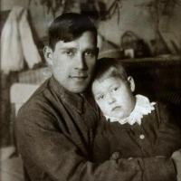 А. П. Кибальников с дочерью Валей, Саратов, 1936-1937 гг.