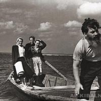 На Оке, конец 1960-х годов. Справа налево: А. П. Кибальников, А. Г. Кибальникова, Петр Ильин, Шура Есенина