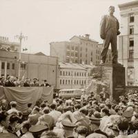 Открытие памятника В.В. Маяковскому в Москве в 1958 г.