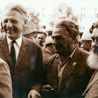 А. П. Кибальников с С. С. Смирновым, автором книги «Брестская крепость», 1971 г.