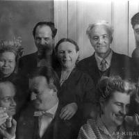 А. П. Кибальников с супругой и румынскими художниками, вторая половина 1950-х гг.